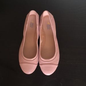 New in box Easy Spirit Pink Gessica Flats. 7.5W